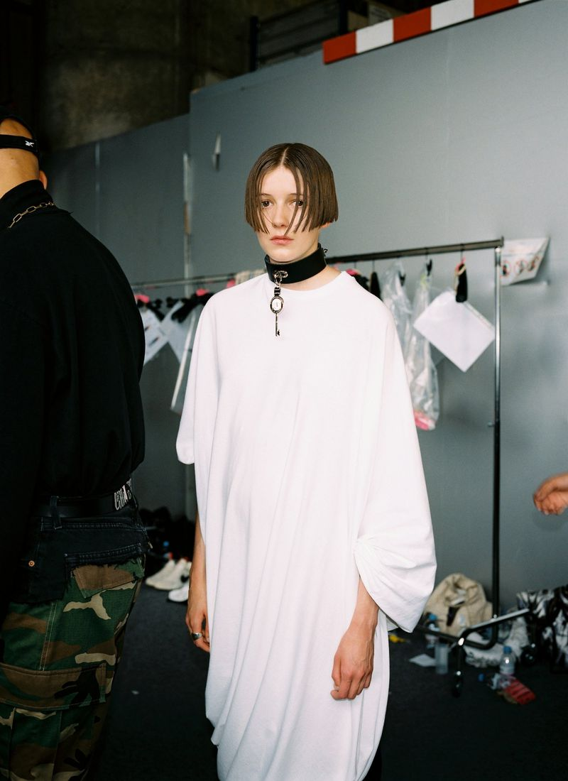 审查显示后台+新闻发布会Vetements show backstage + press shot