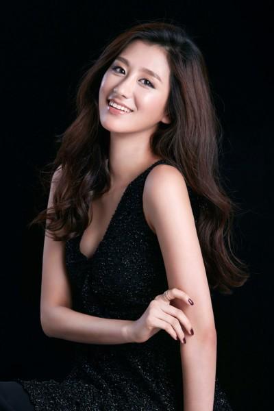 金淵珍 Jina